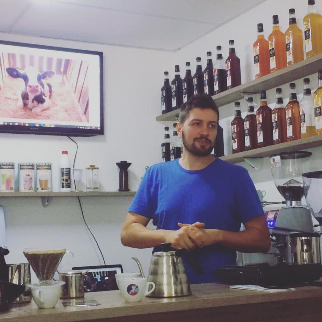 O empresário Christiano Trevisan fala sobre os leites da marca